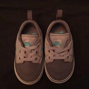 Nike toddler 5c sneaker